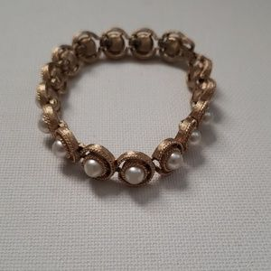 Jewelry - Gold and Pearl Bracelet